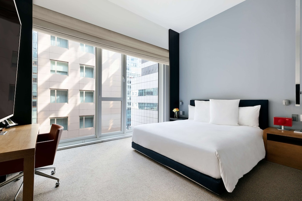 Room, Andaz 5th Avenue - a concept by Hyatt