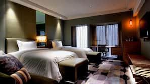 1 bedroom, down comforters, Select Comfort beds, minibar