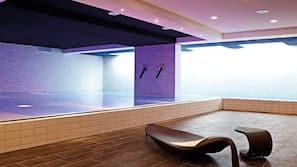 2 piscine coperte, con ingresso dalle 8:00 alle 20:00, lettini