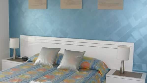 2 bedrooms, pillowtop beds, individually decorated
