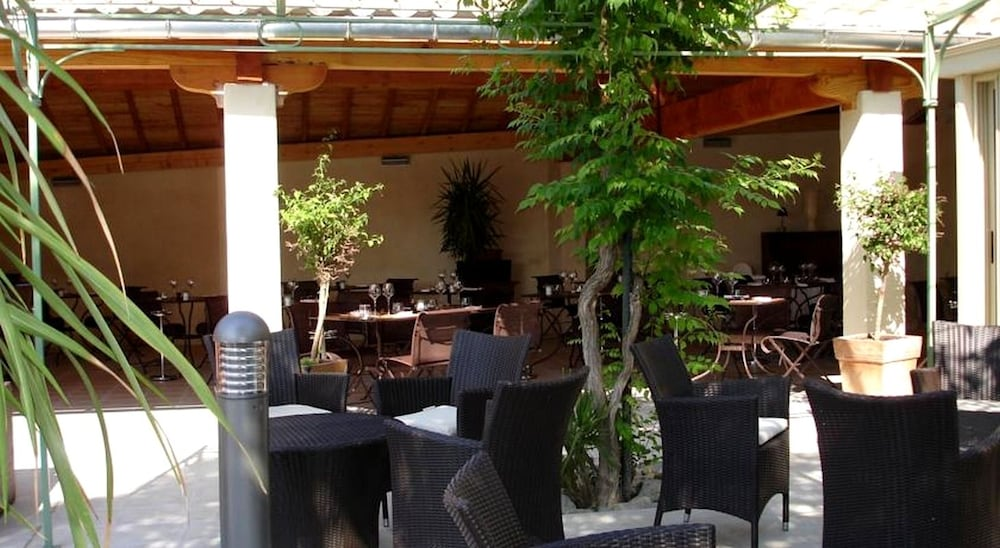 Auberge c t jardin conilhac corbieres fra for Auberge cote jardin conilhac corbieres