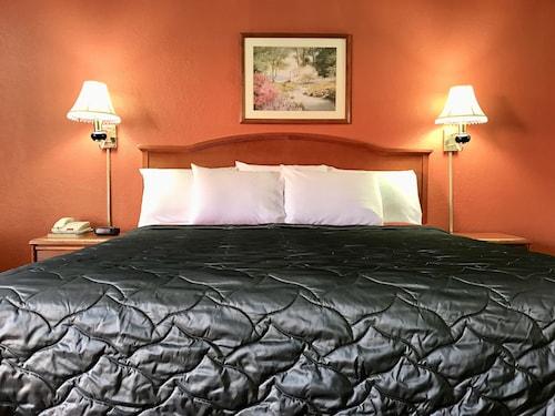 Check Expedia for Availability of Best Budget Inn - Abilene