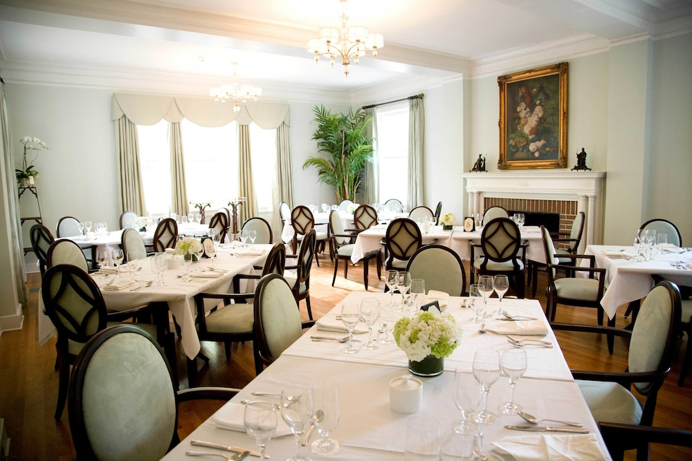 Dining, The King's Daughters Inn