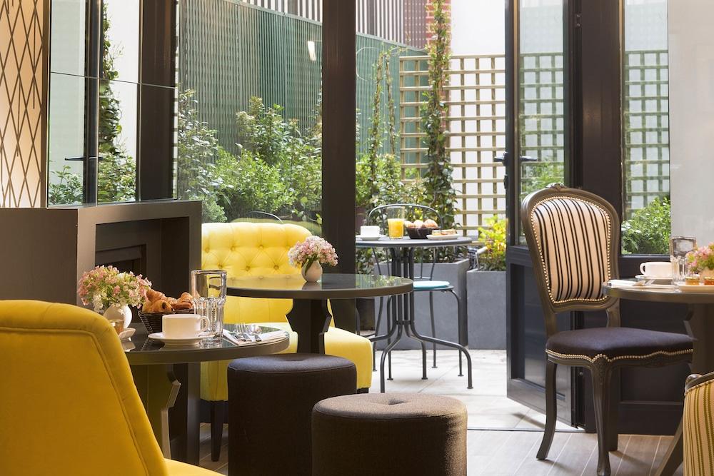 les plumes h tel paris parigi francia. Black Bedroom Furniture Sets. Home Design Ideas