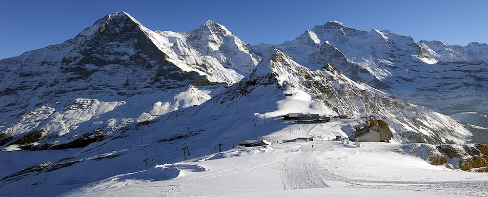 Snow and Ski Sports, Jungfrau Hotel