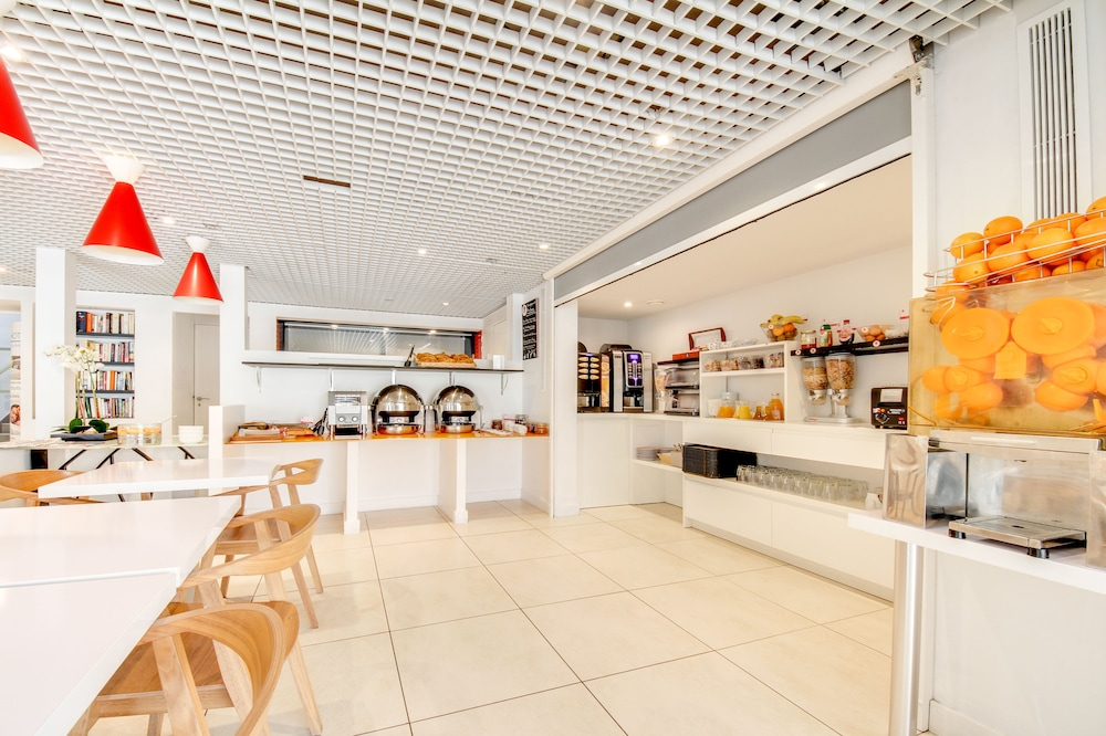brit h tel porte d 39 espagne in perpignan hotel rates reviews on orbitz. Black Bedroom Furniture Sets. Home Design Ideas