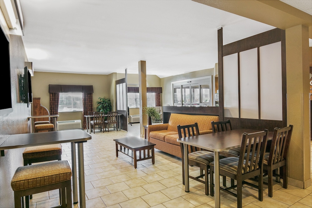 Lobby, Microtel Inn & Suites by Wyndham Austin Airport
