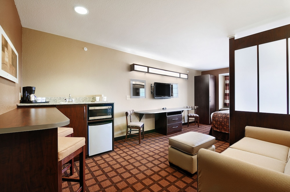 Living Area, Microtel Inn & Suites by Wyndham Austin Airport