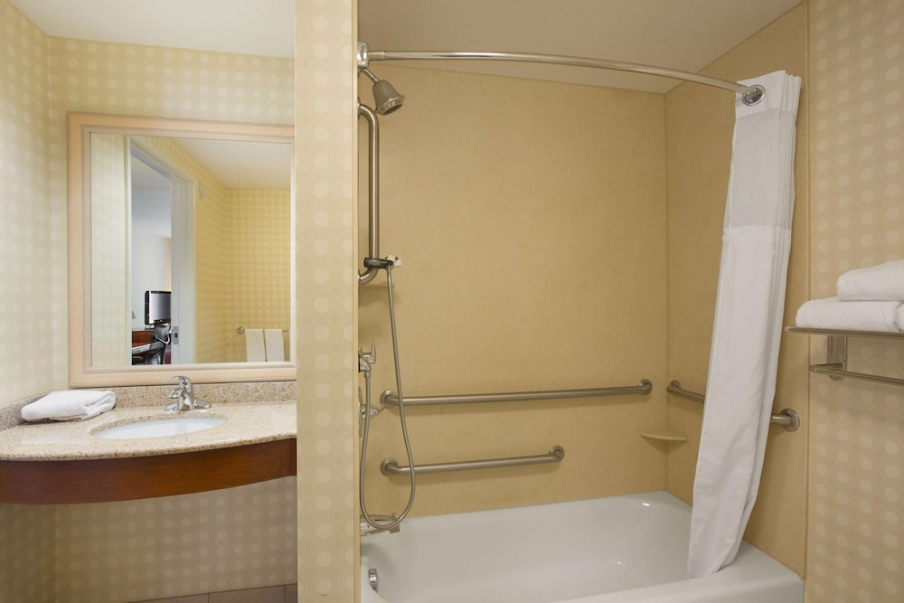 Bathroom, Hilton Garden Inn Bartlesville