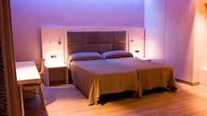 Down duvets, in-room safe, desk, blackout curtains