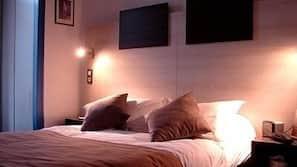 Coffre-forts dans les chambres, bureau, rideaux occultants
