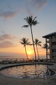 Kona Reef Resort