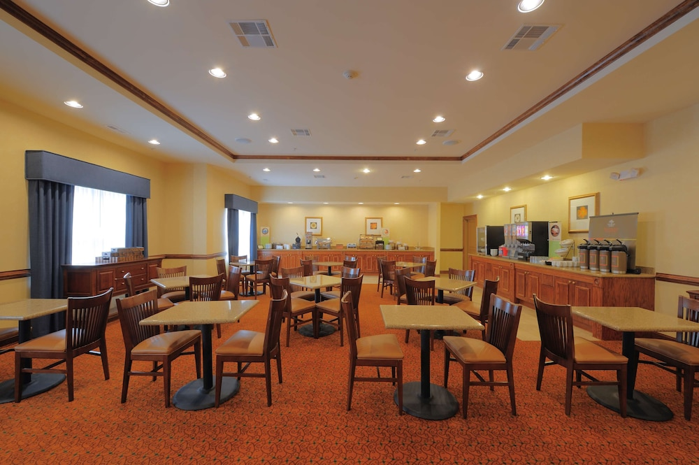 Breakfast Area, Country Inn & Suites by Radisson, Columbia at Harbison, SC