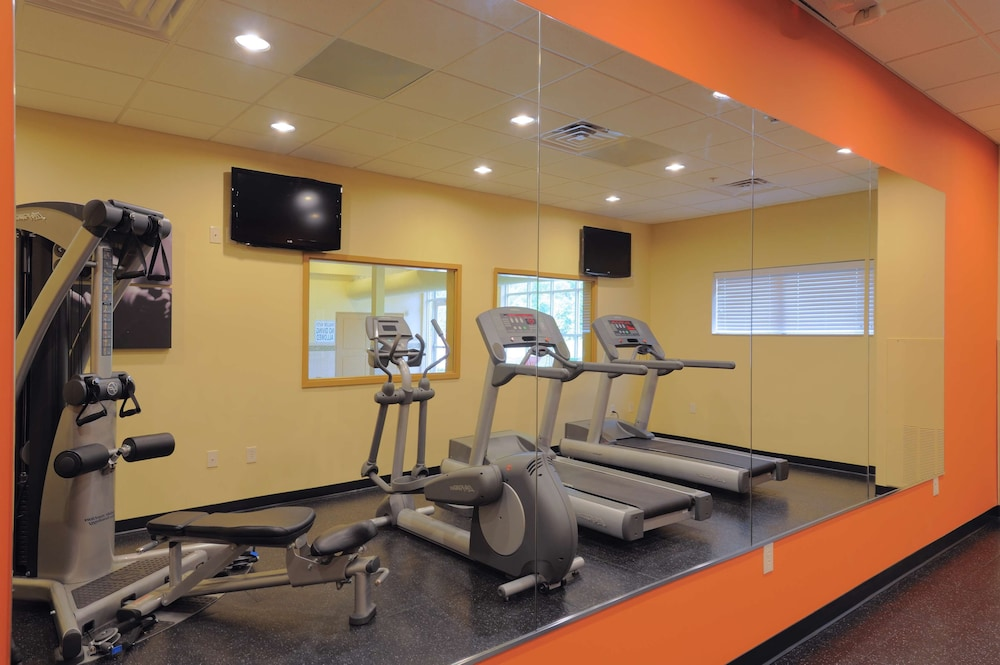 Fitness Facility, Country Inn & Suites by Radisson, Columbia at Harbison, SC