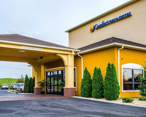 Great Place to stay Comfort Inn & Suites near Franklin