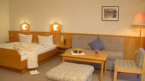 Daunenbettdecken, Pillowtop-Betten, Zimmersafe, Schreibtisch