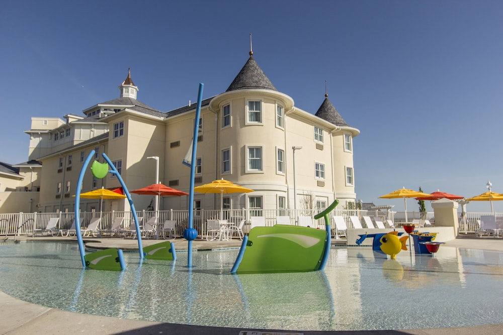 Children's Pool, Cedar Point's Hotel Breakers