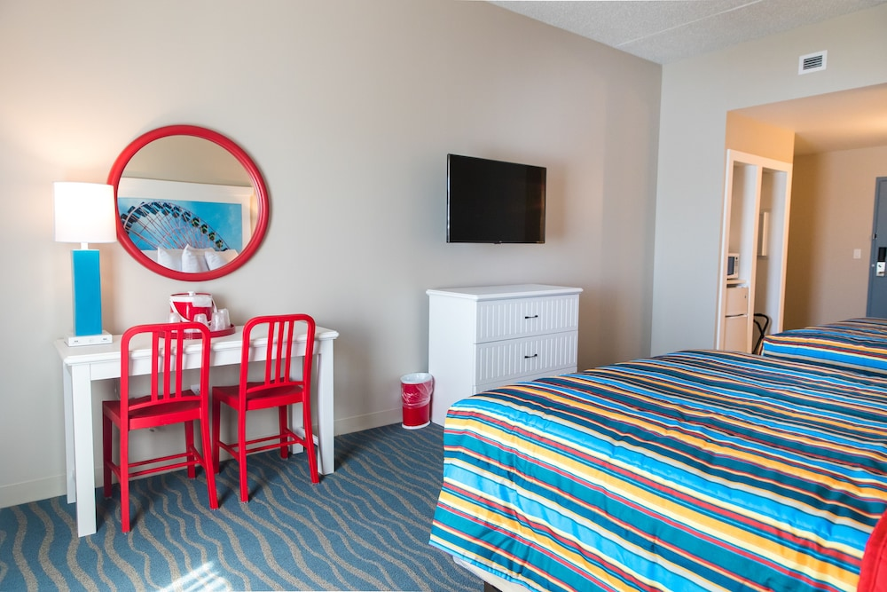 Room, Cedar Point's Hotel Breakers