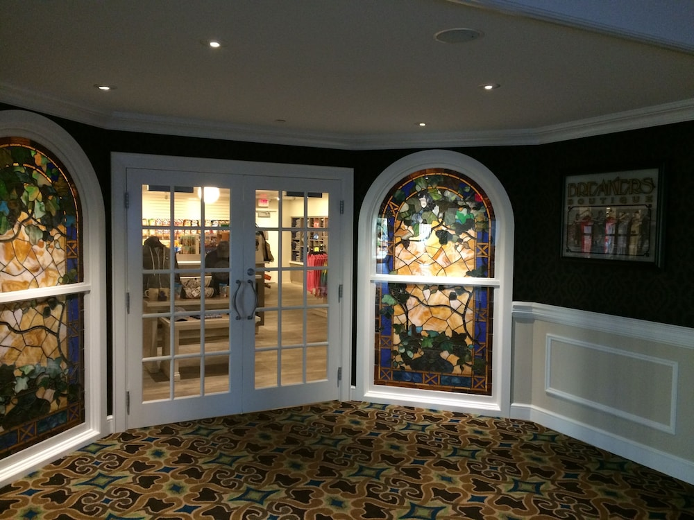 Gift Shop, Cedar Point's Hotel Breakers