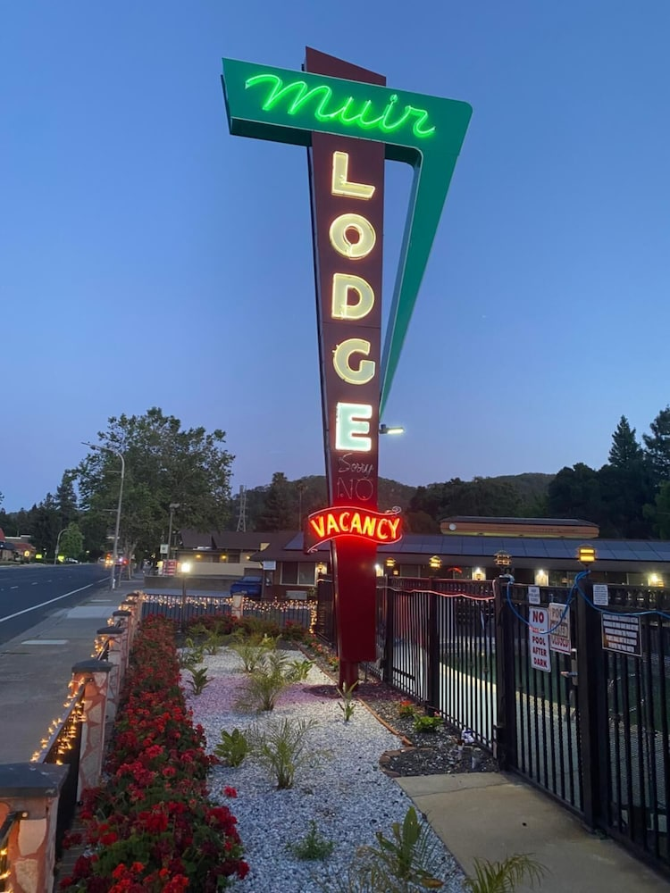 Exterior, Muir Lodge Motel