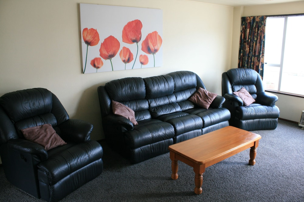 Living Area, Arcadian Motel