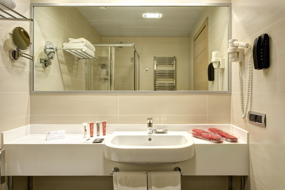 Bathroom Sink, iQ Hotel Roma