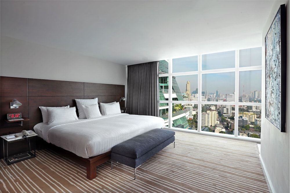 S33 Compact is a Budget Hotel in Bangkok Near BTS Phrom Phong