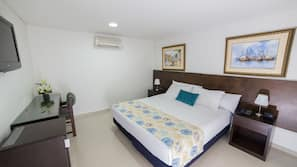 Ropa de cama de alta calidad, edredones de plumas, minibar y caja fuerte