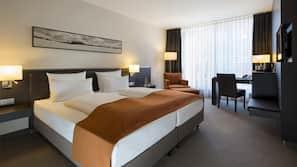 Premium bedding, pillow-top beds, minibar, in-room safe