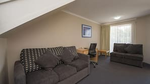 Pillowtop beds, minibar, desk, soundproofing