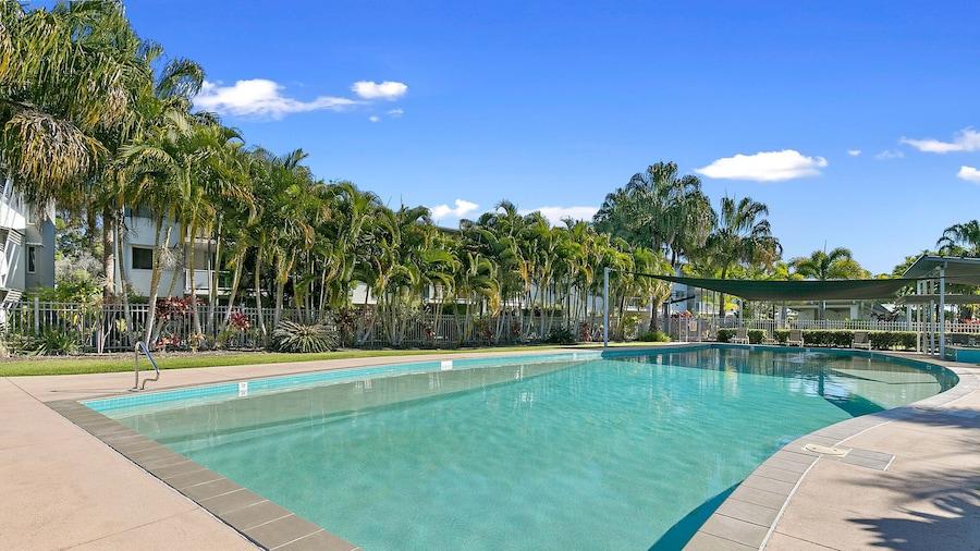Whalecove Resort