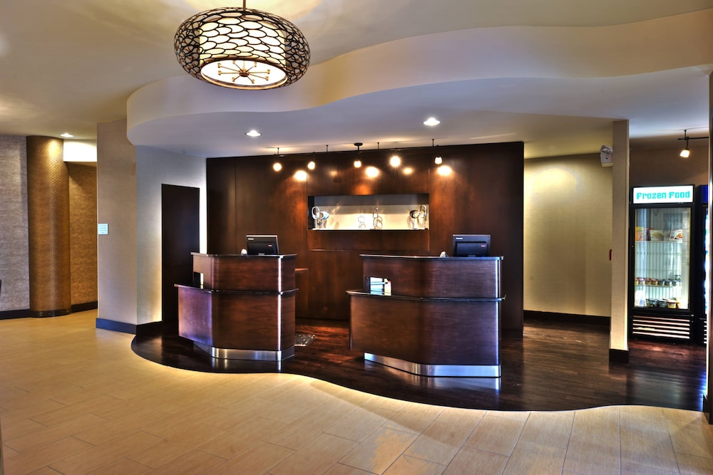Lobby, Courtyard by Marriott Keene Downtown