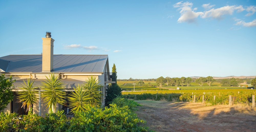 Exterior, Barossa Shiraz Estate