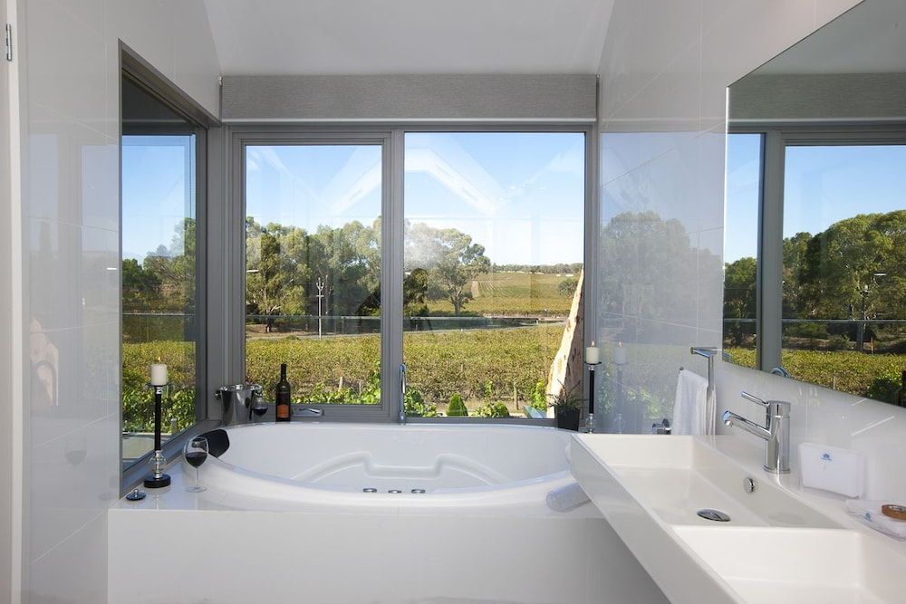 Bathroom, Barossa Shiraz Estate