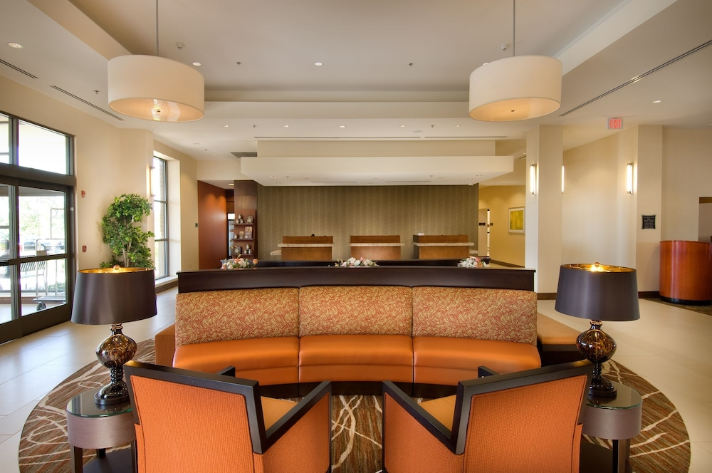 Lobby Sitting Area, DoubleTree by Hilton Sterling - Dulles Airport