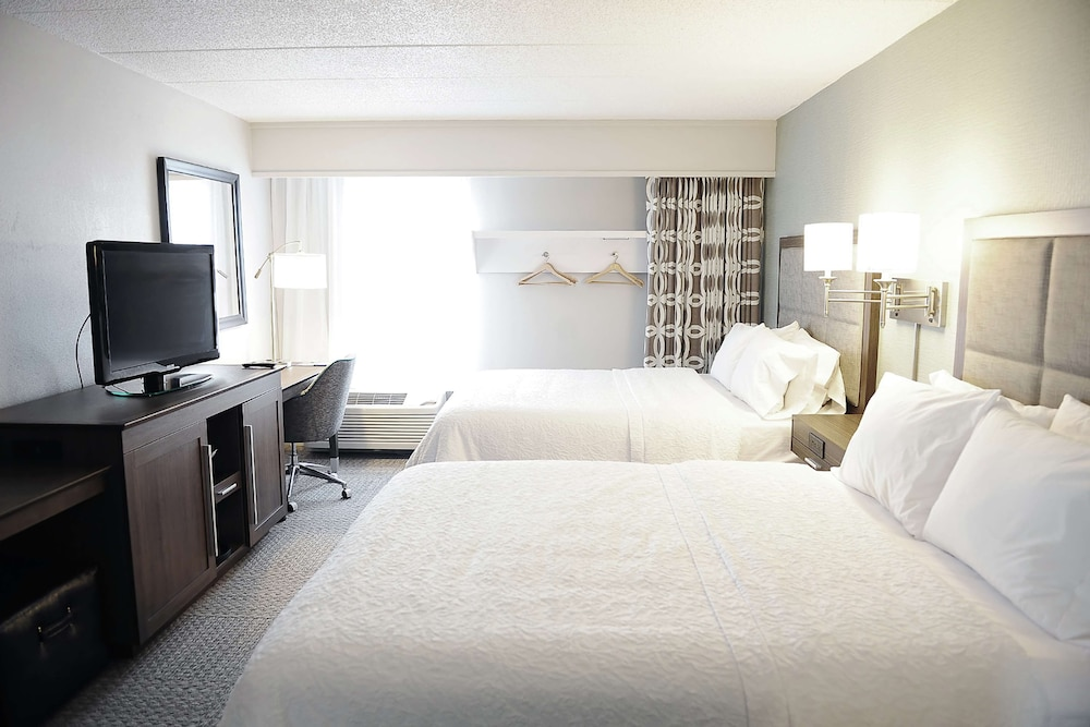 Room, DoubleTree by Hilton Sterling - Dulles Airport