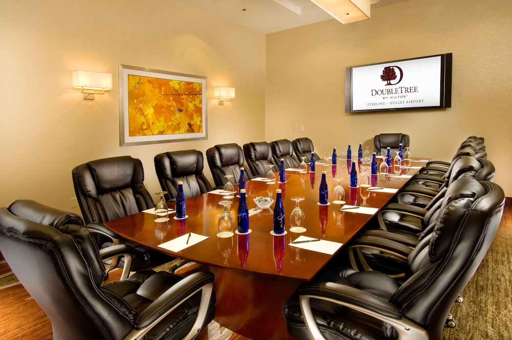 Meeting Facility, DoubleTree by Hilton Sterling - Dulles Airport