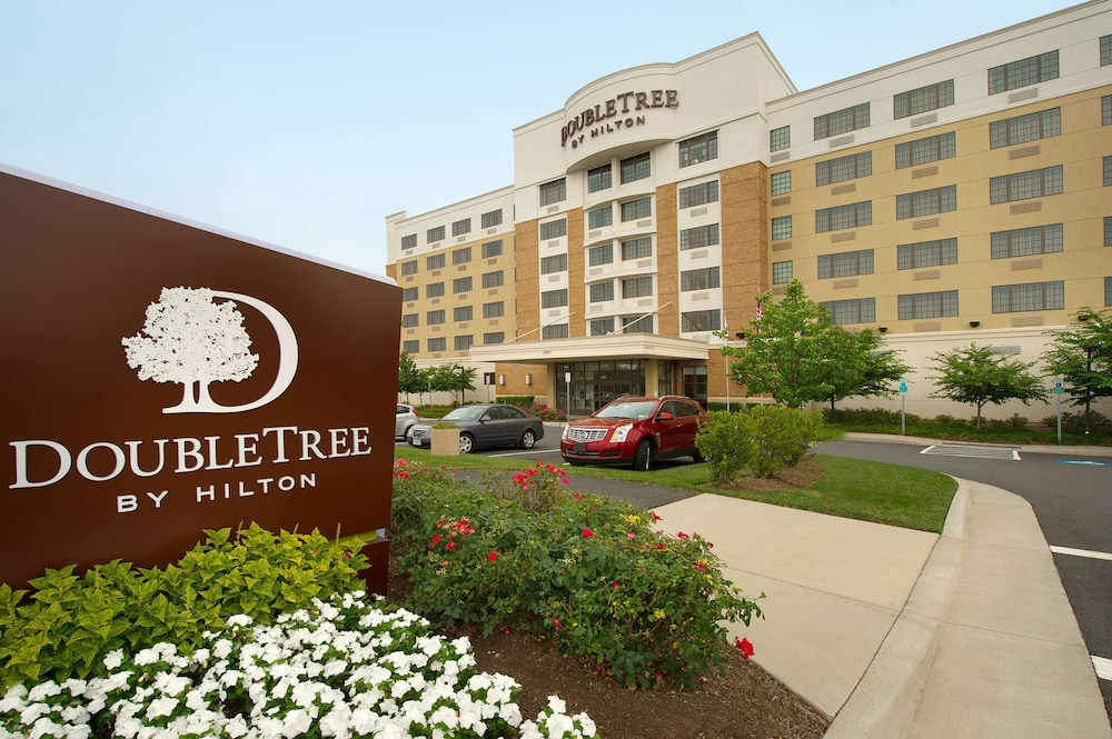 Exterior, DoubleTree by Hilton Sterling - Dulles Airport