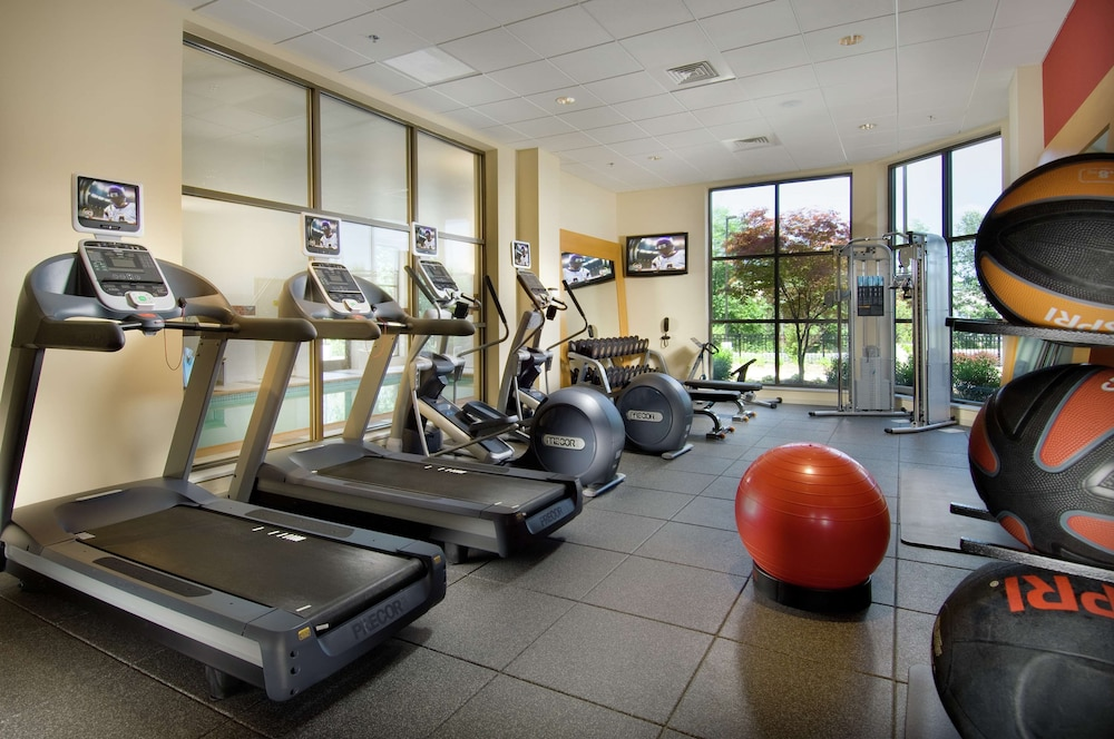 Fitness Facility, DoubleTree by Hilton Sterling - Dulles Airport