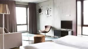 Roupas de cama premium, camas com colchões pillow-top, escrivaninha