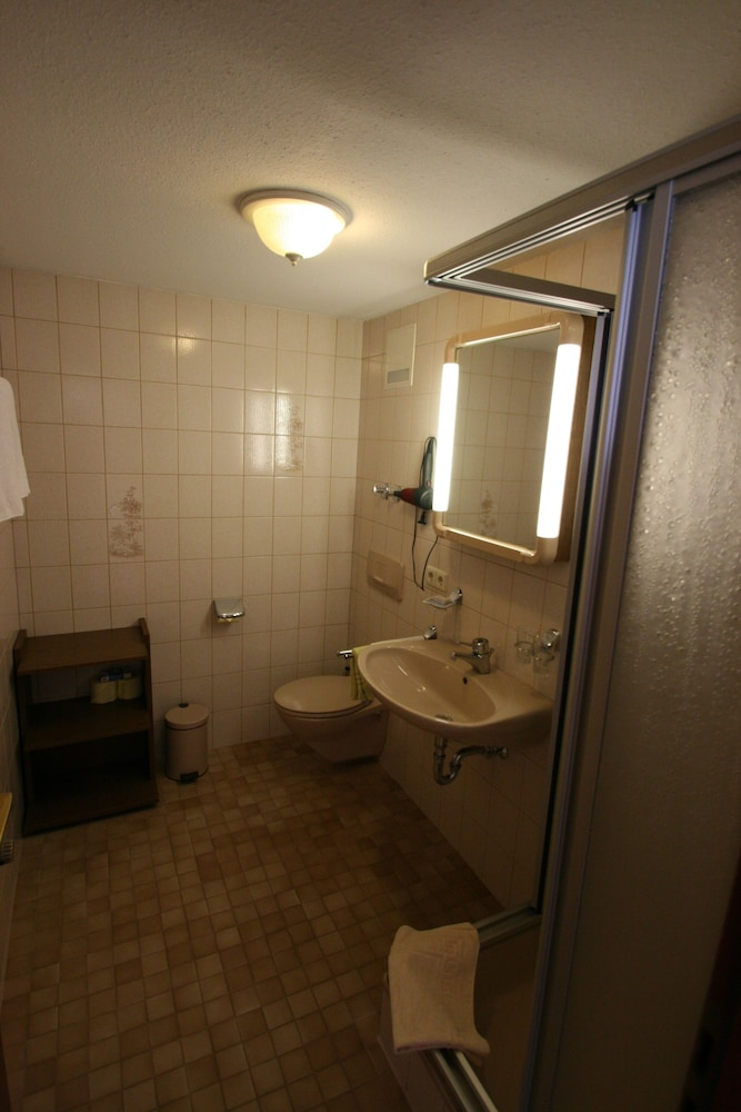 Bathroom, Café Pension Feldbergblick