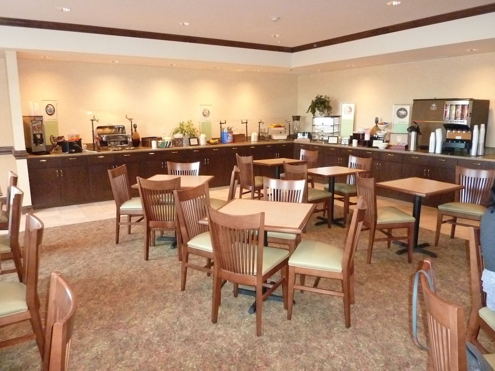 Breakfast buffet, Country Inn & Suites by Radisson, Concord (Kannapolis), NC