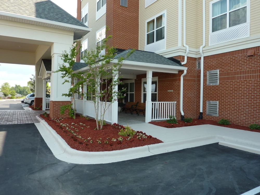 Property Grounds, Country Inn & Suites by Radisson, Concord (Kannapolis), NC
