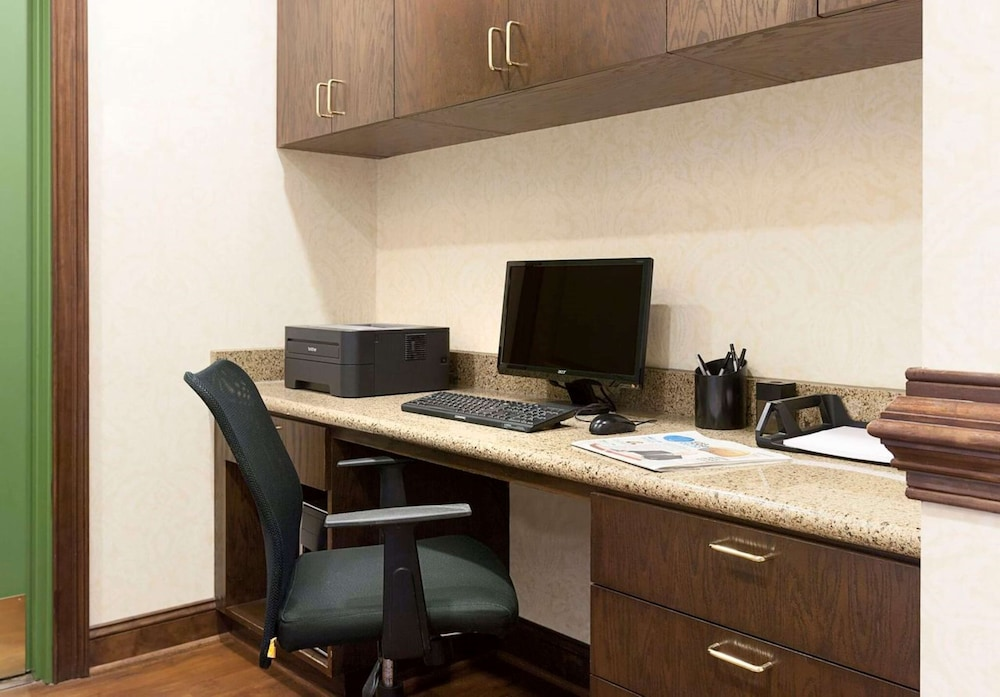 Business Center, Country Inn & Suites by Radisson, Concord (Kannapolis), NC