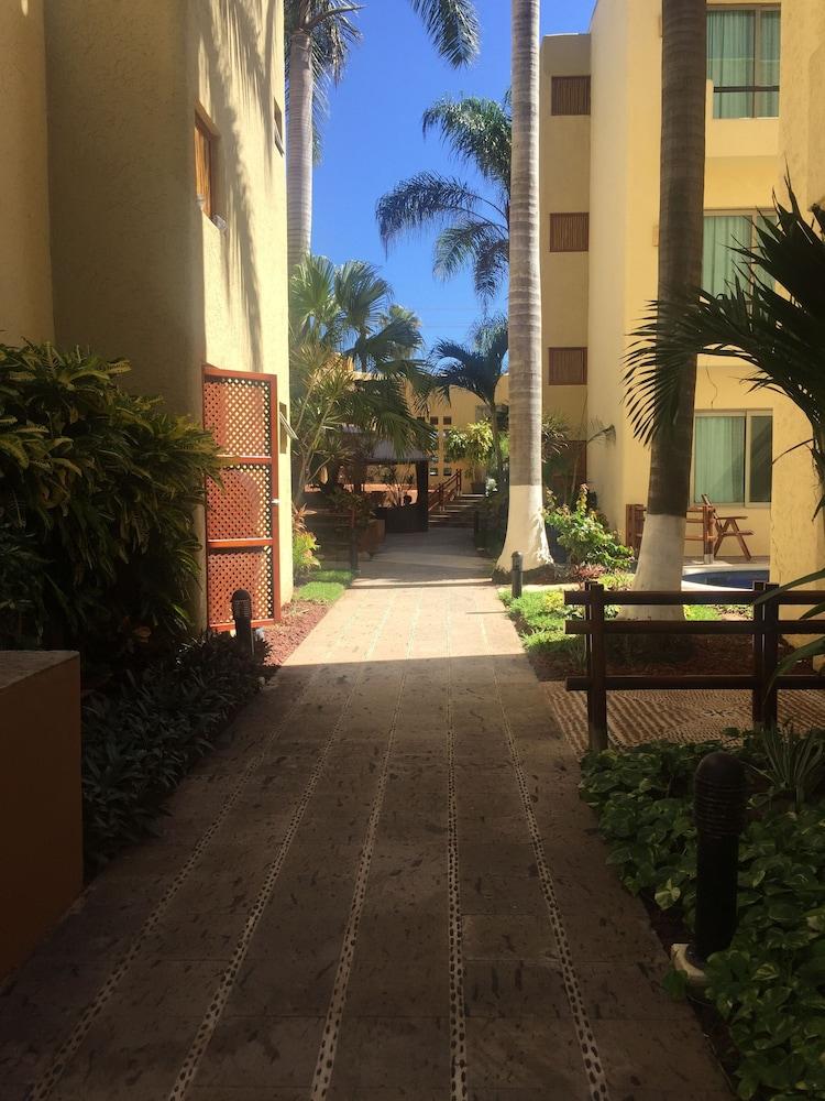 Torrenza boutique resorts in mazatlan hotel rates for Boutique getaways