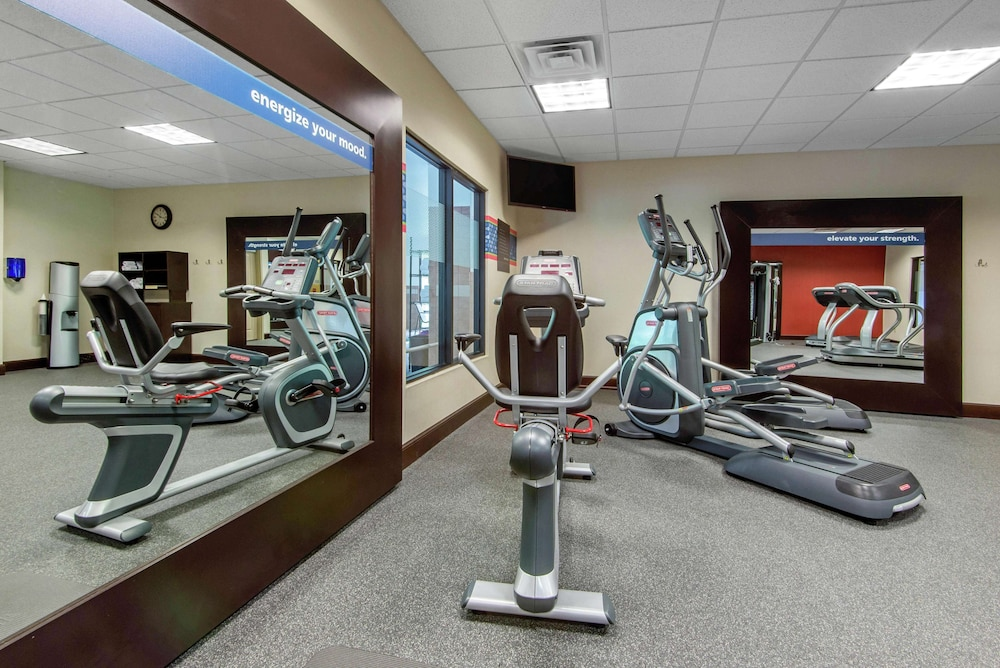 Fitness Facility, Hampton Inn Meadville