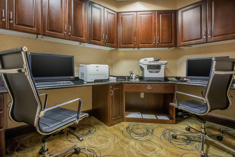 Business Center, Hampton Inn Meadville