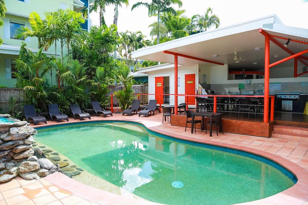 port douglas motel reviews photos rates. Black Bedroom Furniture Sets. Home Design Ideas