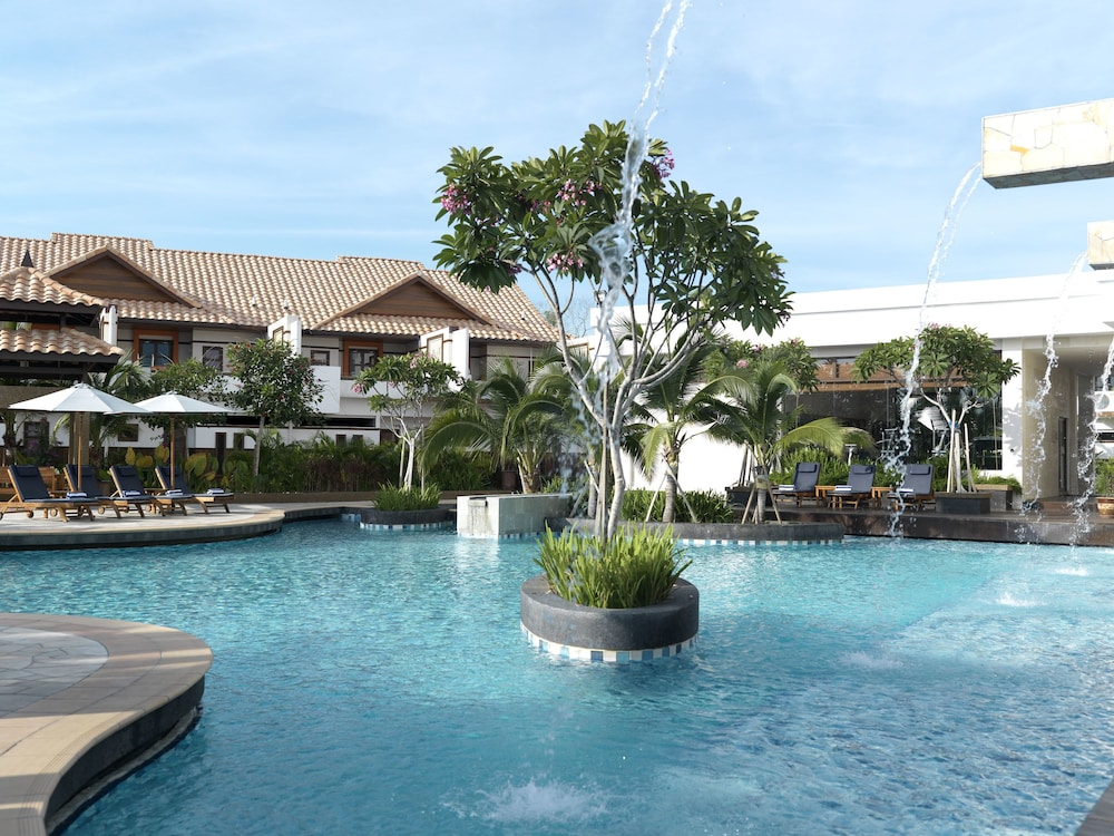Grand lexis port dickson in port dickson hotel rates for Garden pool grand lexis