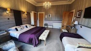 10 bedrooms, Egyptian cotton sheets, premium bedding, down duvets